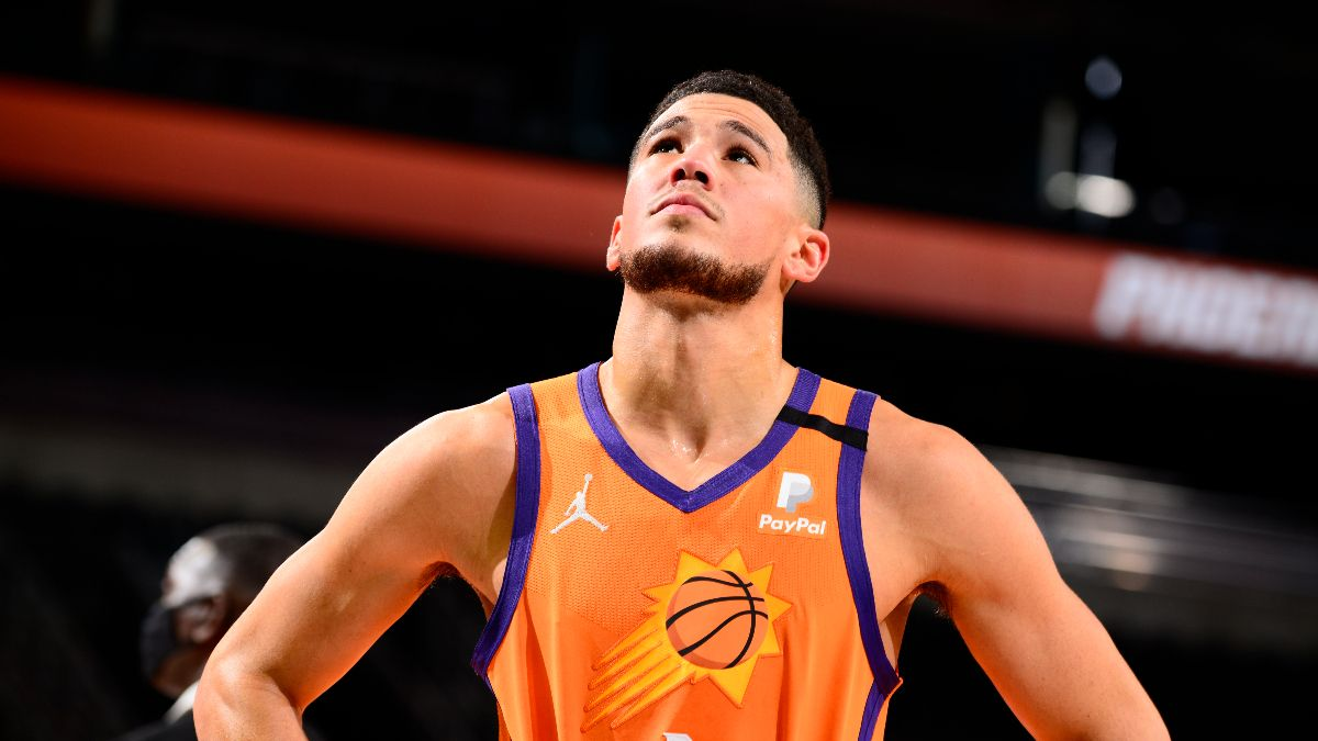 Suns vs. Mavericks NBA Odds & Picks: How to Bet the Total Based on Injury News article feature image