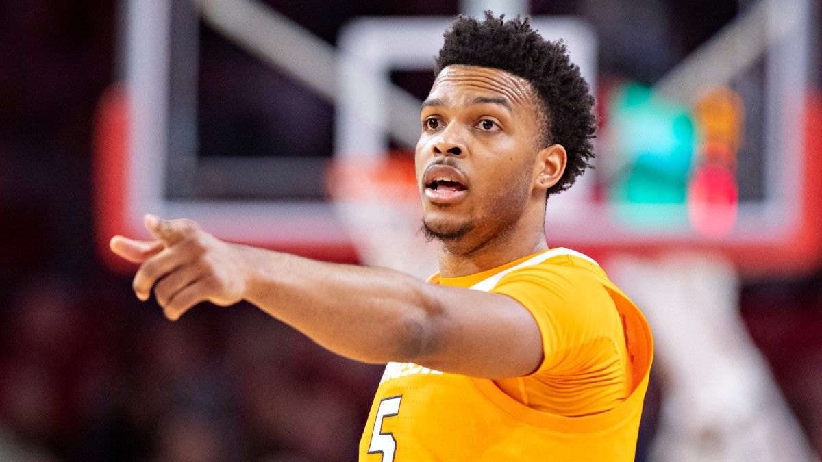 Kansas vs. Tennessee College Basketball Odds & Pick: Bet the Under for Jayhawks vs. Volunteers article feature image