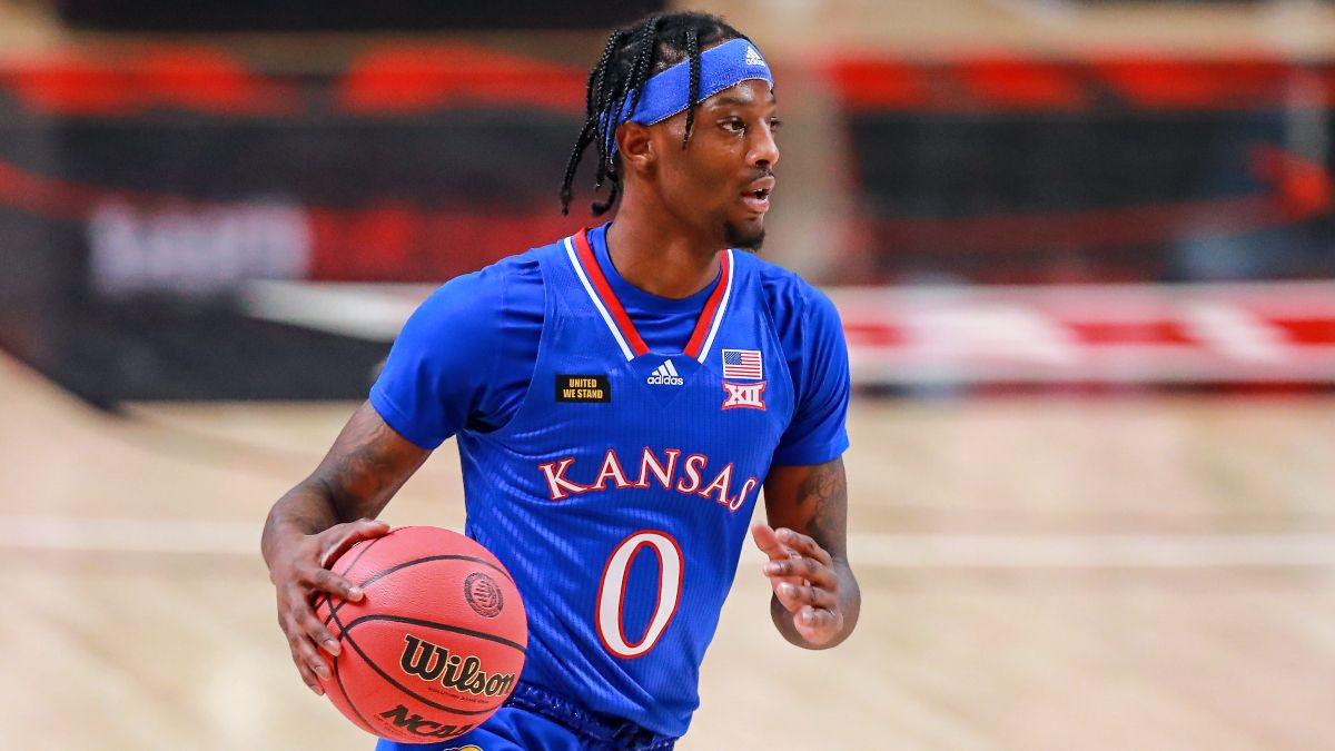 Odds & Pick for Kansas vs. Oklahoma State Basketball: Bet the Jayhawks as Road Favorites article feature image