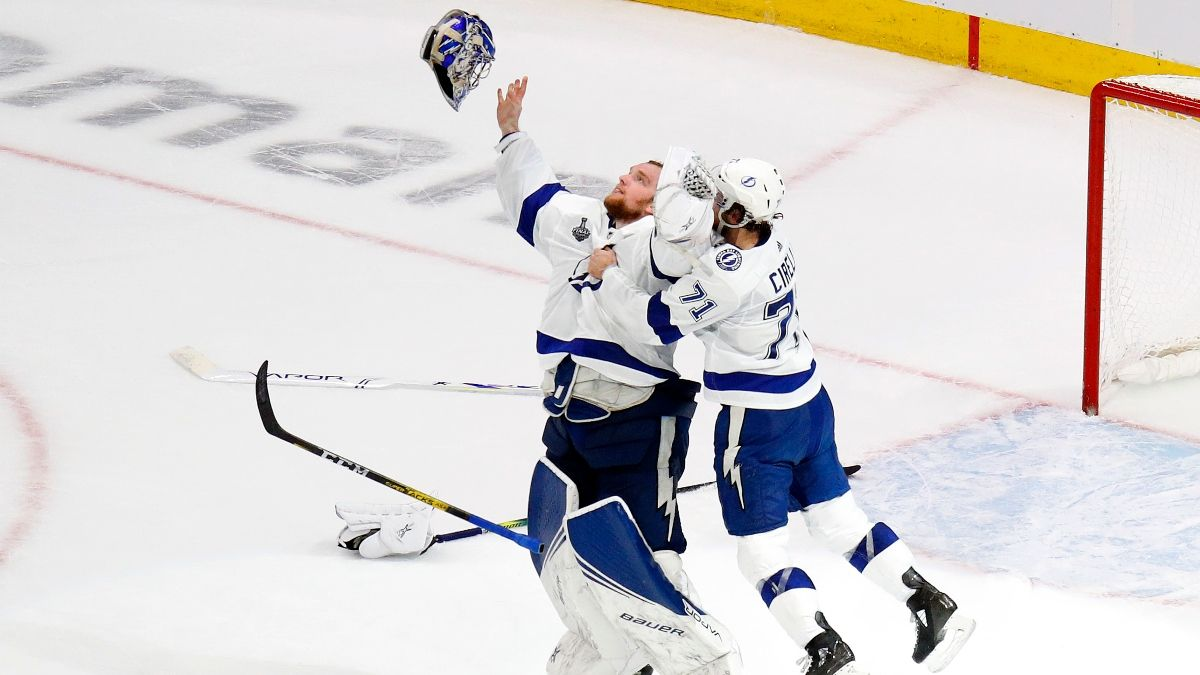 NHL Odds, Picks and Predictions: Blackhawks vs. Lightning (Wednesday, Jan. 14) article feature image