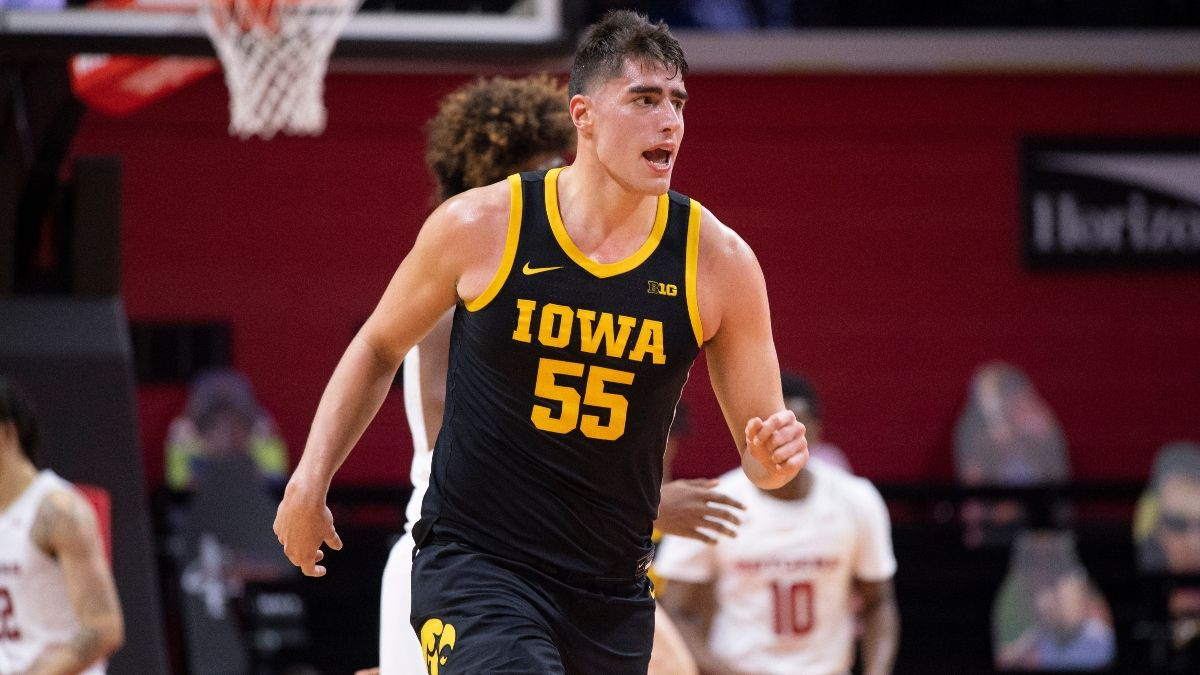 Odds & Pick for Iowa vs. Maryland Basketball: High-Scoring Offenses Give the Total Value article feature image