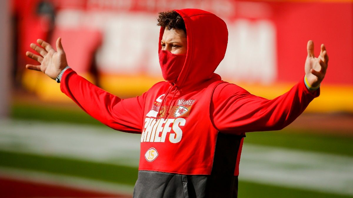 NFL Playoff Injury Report: Latest On Patrick Mahomes, Clyde Edwards-Helaire & More Conference Championship Injuries article feature image