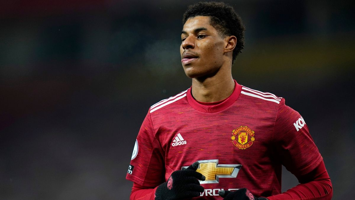 English Premier League Betting Odds & Picks for Tuesday's Manchester United vs. Southampton (Feb. 2) article feature image