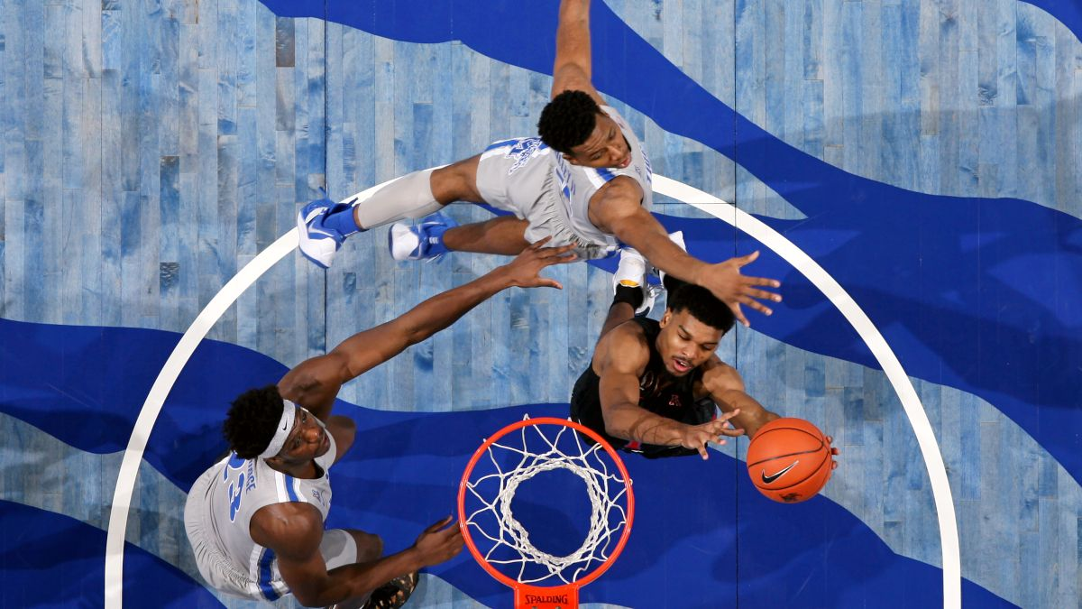 College Basketball Best Bets: Our Staff's Favorite Picks for Memphis vs. SMU, Belmont vs. Austin Peay, More (Thursday, Jan. 28) article feature image