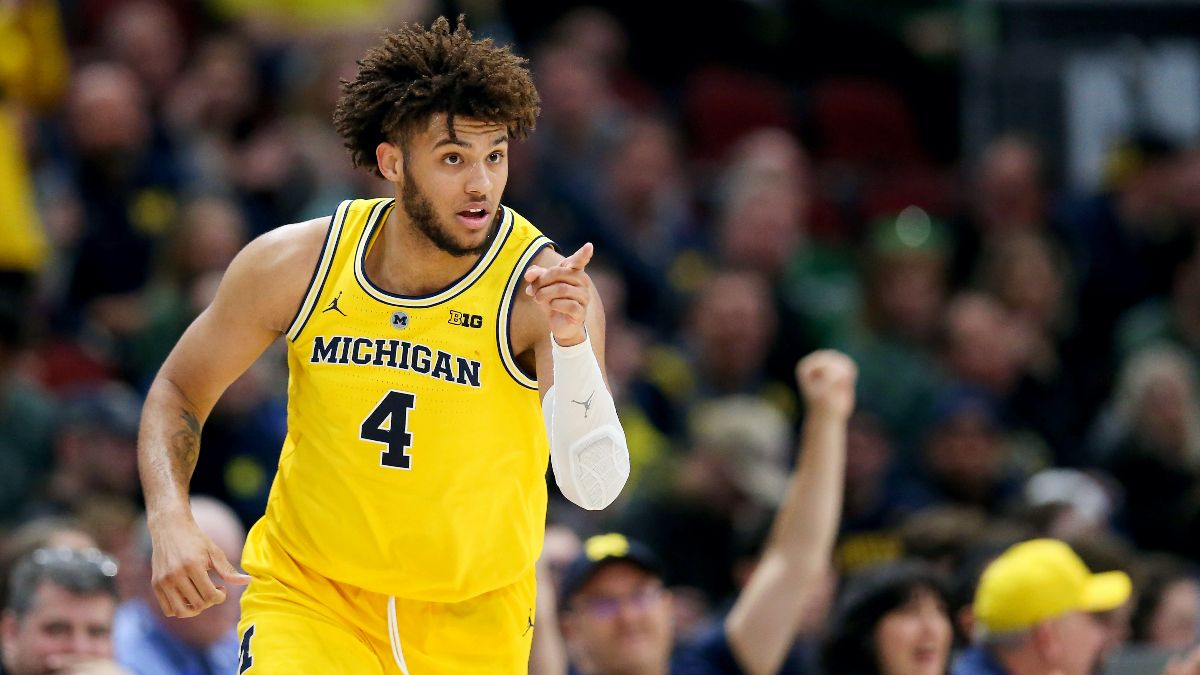 Big Ten College Basketball Conference Futures: Michigan Wolverines in a Class of Their Own article feature image