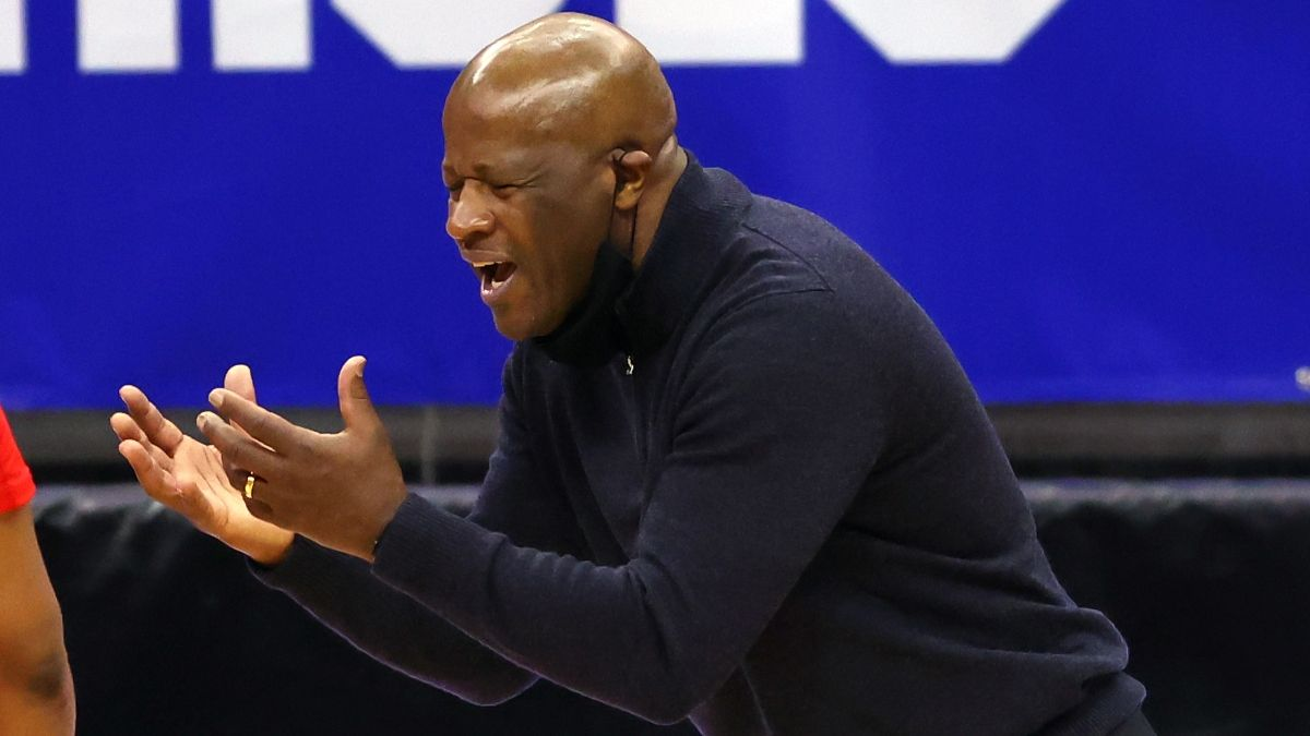 St. John's vs. Connecticut College Basketball Odds, Picks & Predictions: How Pros Bet Monday Afternoon Spread article feature image