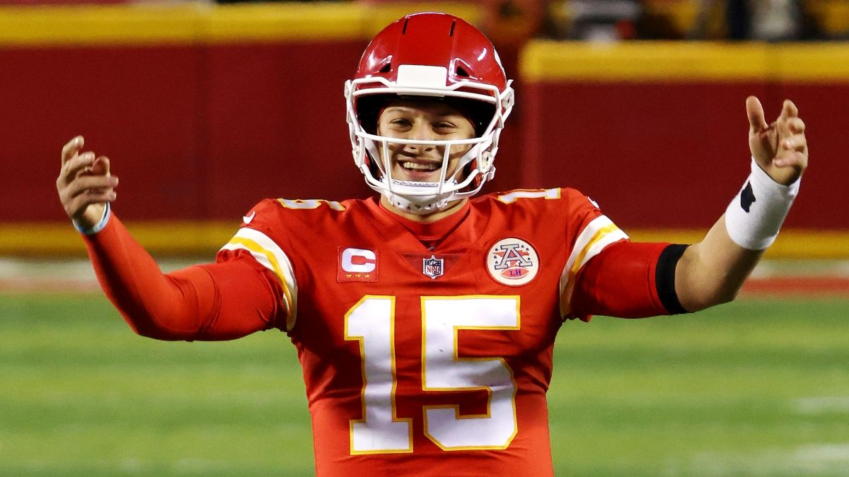 Super Bowl 55 Betting Strategy: The Smart Way To Bet the Chiefs vs. Buccaneers Spread & Over/Under article feature image