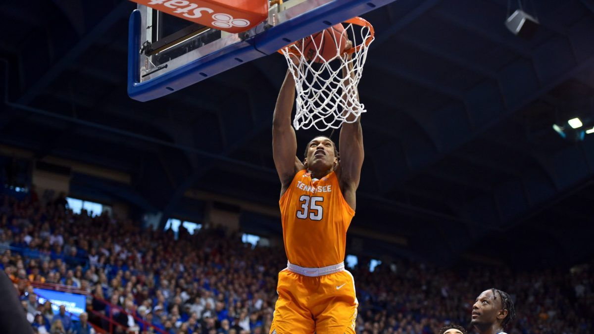 Tennessee vs. Florida Odds & Pick: Bet the Volunteers Over Shorthanded Gators article feature image