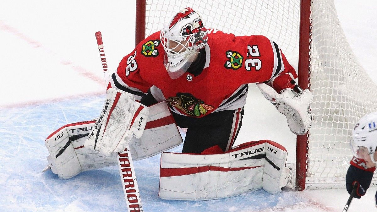 Hurricanes vs. Blackhawks NHL Betting Odds, Picks & Predictions: Value on Underdog Thanks to Hot Goaltending Hand article feature image