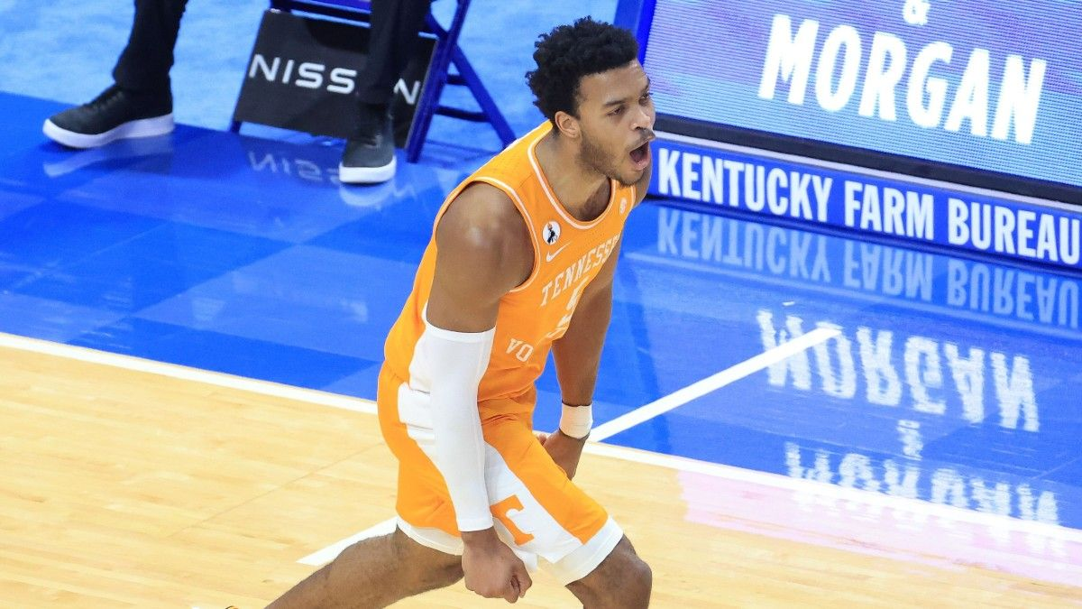 Tennessee vs. LSU College Basketball Odds & Pick: Saturday's Betting Value on Volunteers article feature image