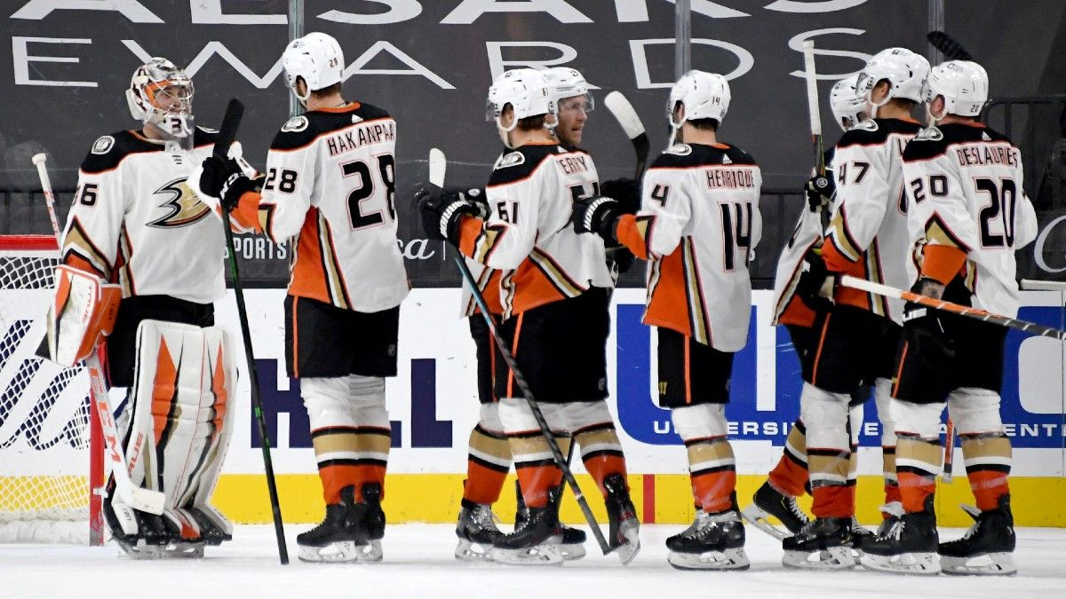 NHL Betting Odds & Pick for Ducks vs. Sharks: Anaheim Has Clear Advantage Thanks to Goaltending article feature image