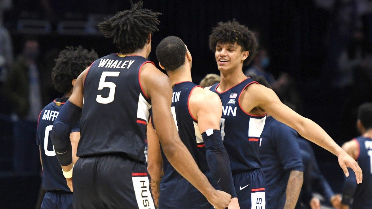 UConn vs. Marquette Basketball Odds & Pick: Huskies Should Prevail On Saturday article feature image
