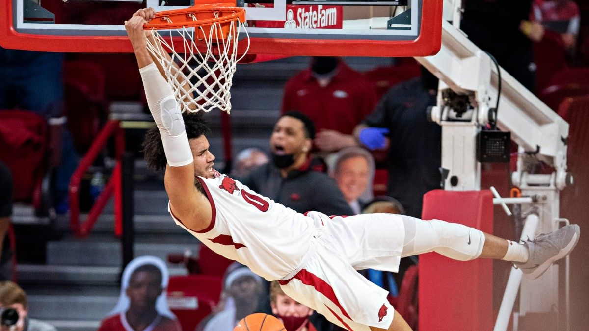 Texas Tech vs. Arkansas Odds: Projected Spread, Over/Under for NCAA Tournament Round of 32 article feature image