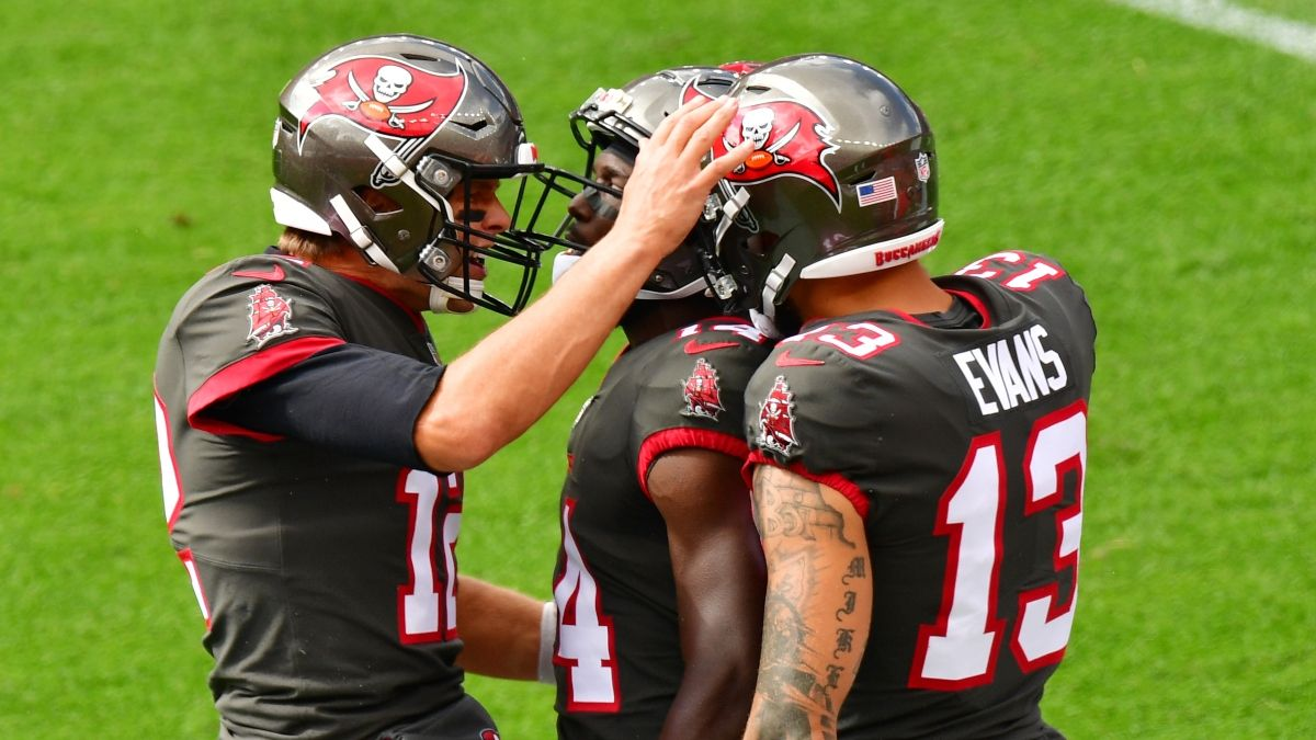 Super Bowl Odds & Over/Under: How To Bet the Buccaneers vs. Chiefs Total article feature image