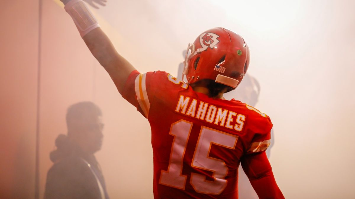 Super Bowl 55 Promo: Win $155 if Brady or Mahomes Throws Over 5.5 Yards! article feature image