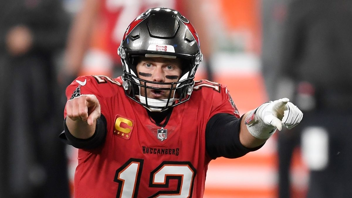 DraftKings Arizona Promo: Bet $1 on Buccaneers vs. Cowboys, Get $200 FREE Instantly! article feature image