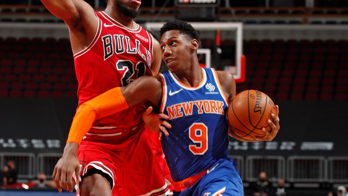 Lakers vs. Knicks Odds & Picks: New York Fighting For 6-Game Cover Streak article feature image