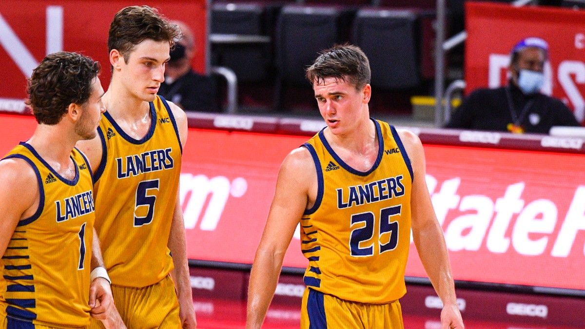 College Basketball Odds & Picks: Three Man Weave's 3 Best Bets, Including Detroit vs. Robert Morris, Cal Baptist vs. Grand Canyon (Friday, Feb. 19) article feature image