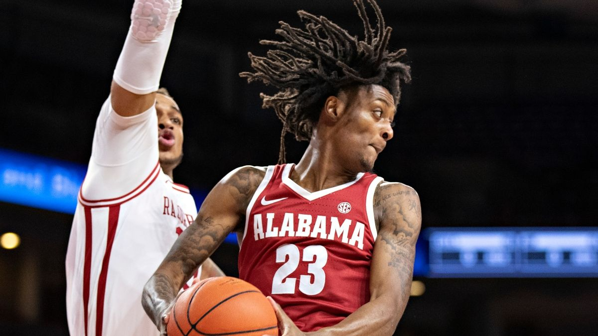 Wednesday College Basketball Odds & Picks: Our 6 Best Bets for Alabama vs. Arkansas, Temple vs. South Florida, More (Feb. 24) article feature image