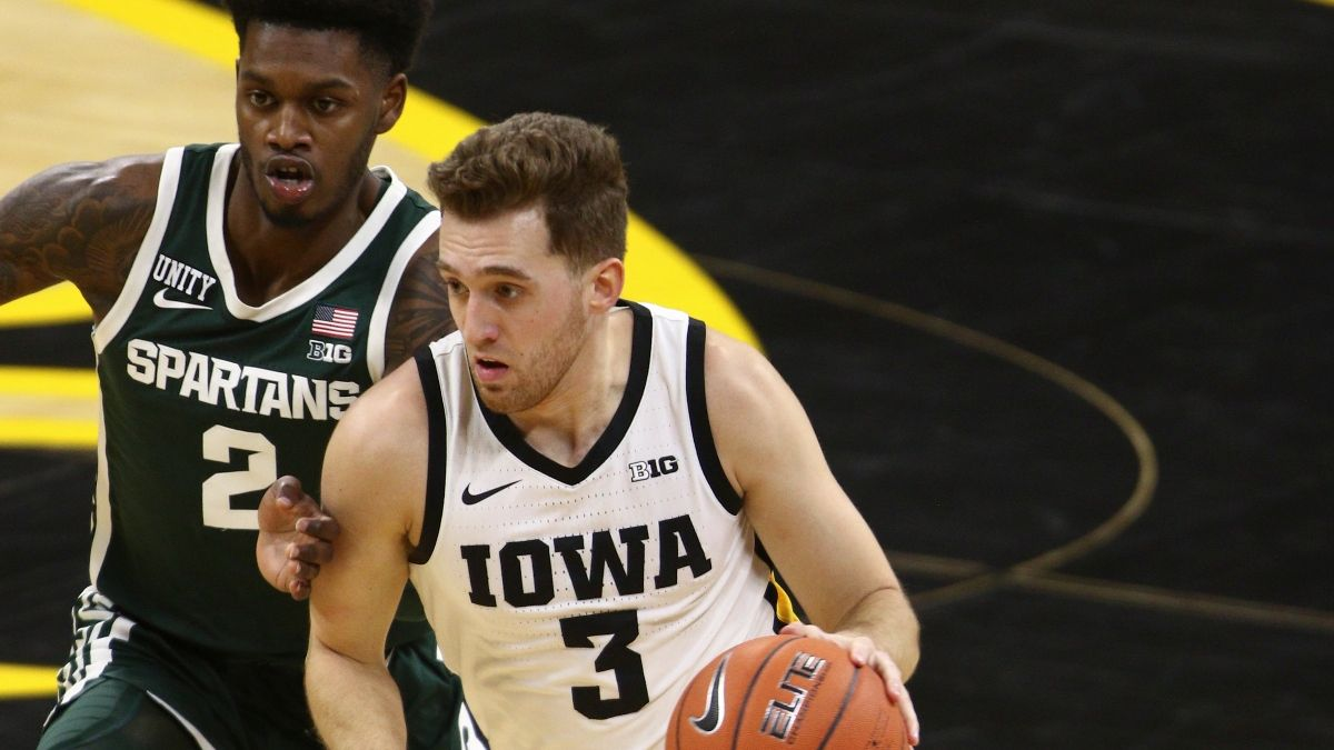 Iowa vs. Michigan State College Basketball Odds & Pick: Projections, Sharps, Systems Point To Spartans article feature image