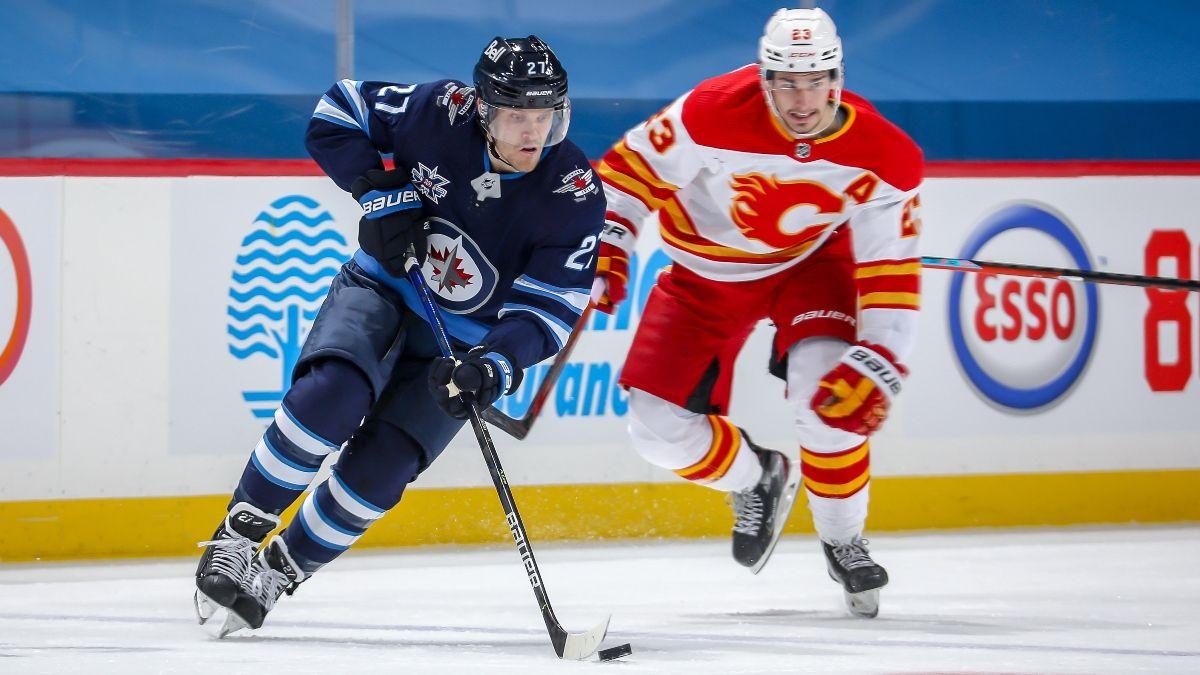 Thursday NHL Best Bets: Our Favorite Picks for Blackhawks-Hurricanes & Senators-Canadiens (Feb. 4) article feature image
