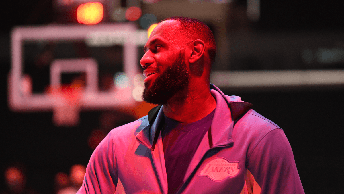 Lakers vs. Warriors Promo: Bet $5, Win $125 if LeBron James Scores 10+ Points! article feature image
