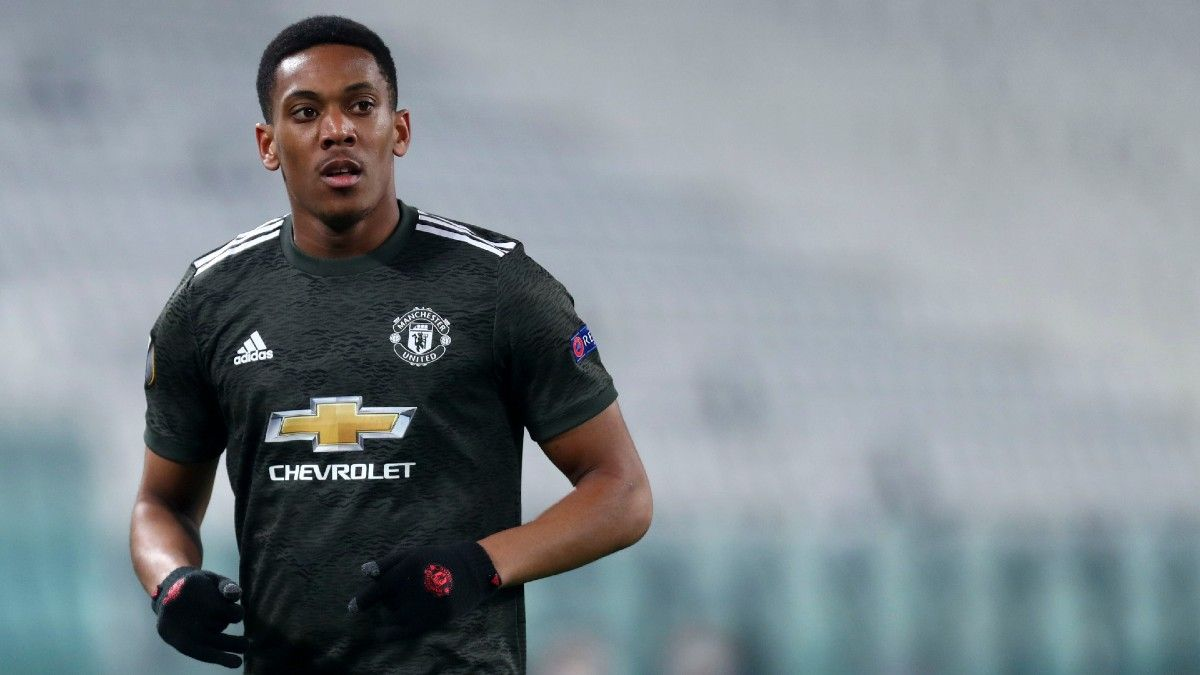 Sunday Premier League Betting Odds, Picks & Predictions: Manchester United vs. Newcastle United (Feb. 21) article feature image