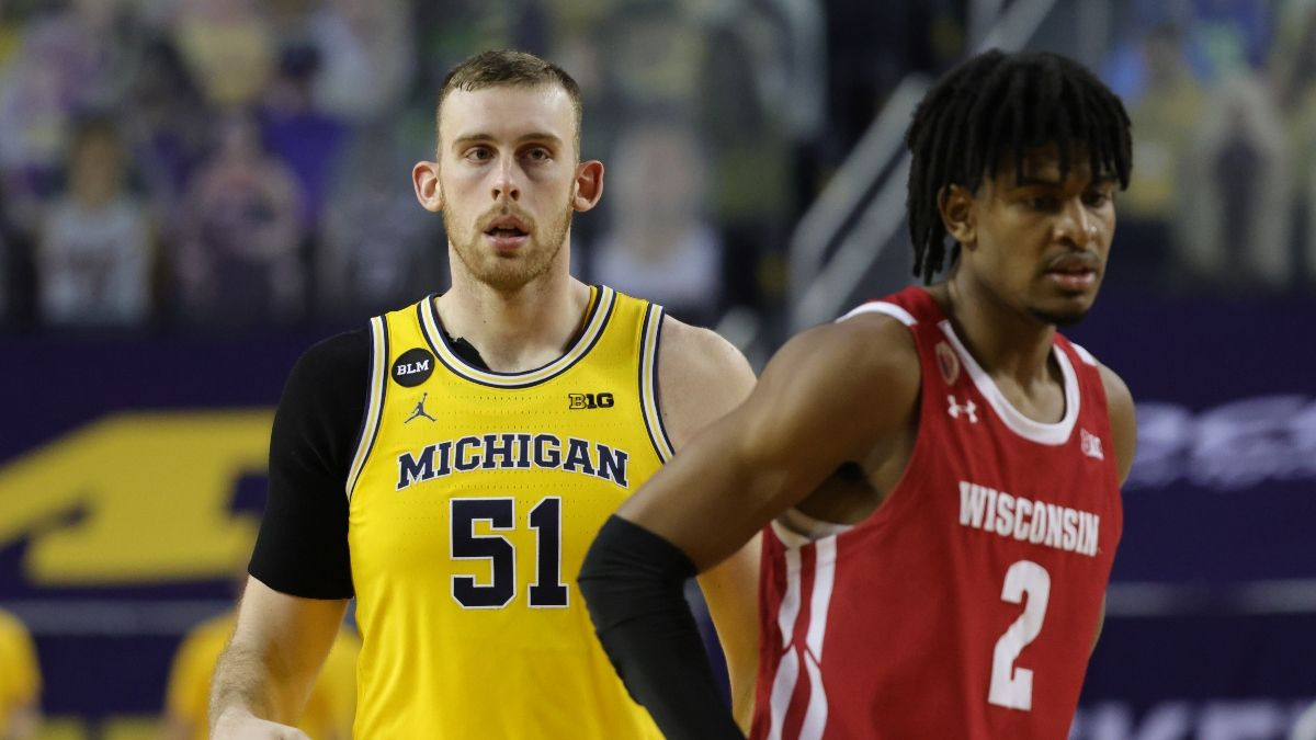 Michigan vs. Wisconsin Odds & PRO Report: Sharps, Experts Agree on Sunday's Spread article feature image