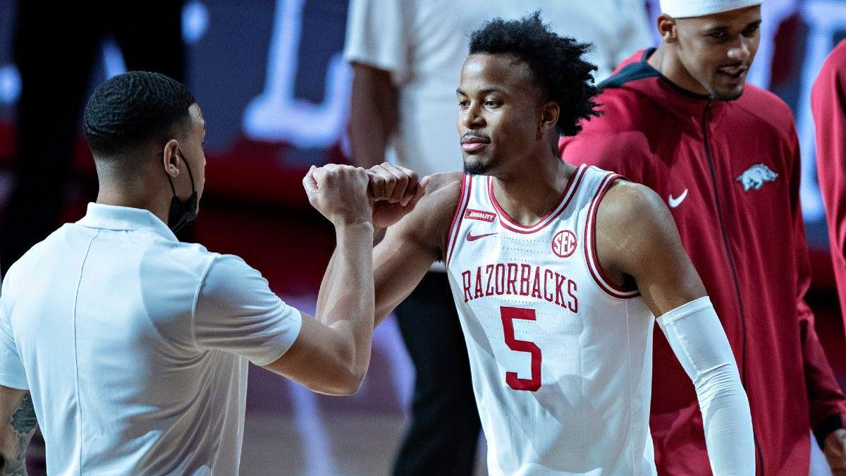 Arkansas vs. Colgate Odds, Picks, Predictions: Back Razorbacks in High-Scoring NCAA Tournament Matchup article feature image
