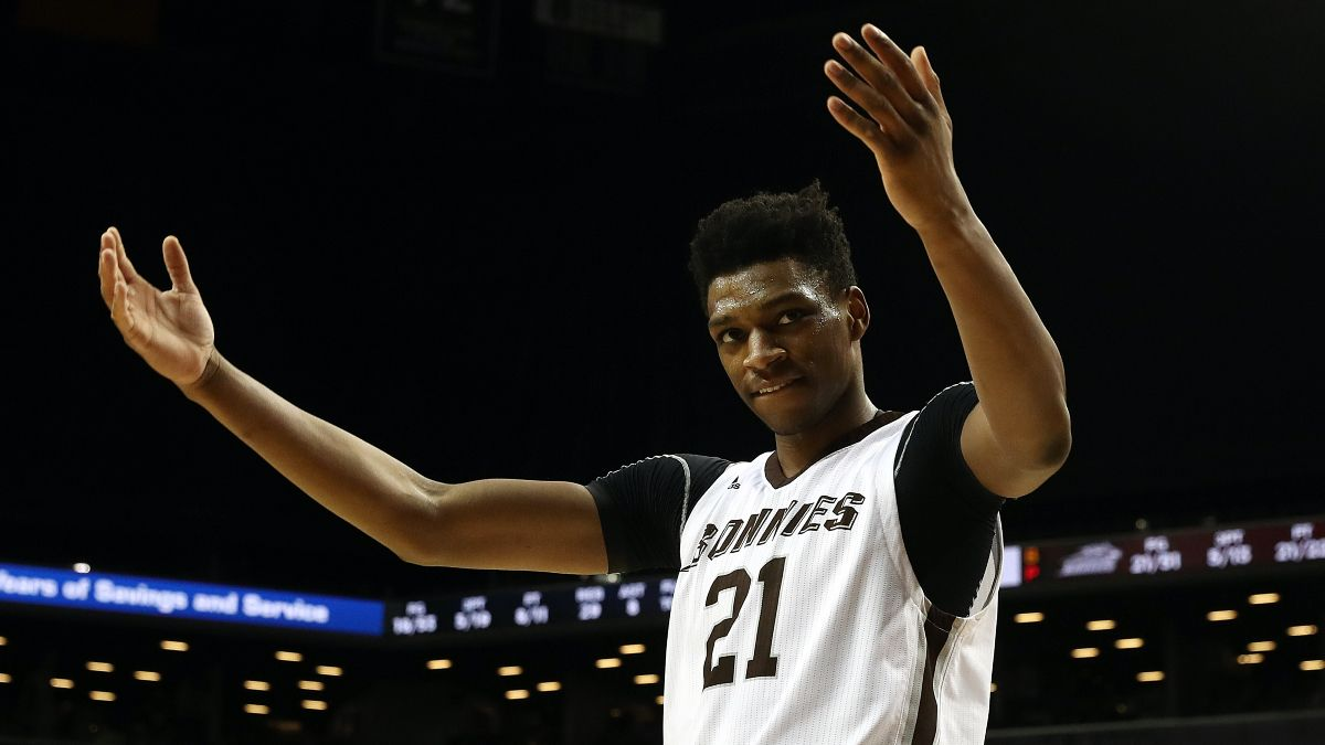 Wednesday College Basketball Odds, Picks & Predictions for St. Bonaventure vs. Davidson: Back Visiting Bonnies in Round 2 (Feb. 24) article feature image