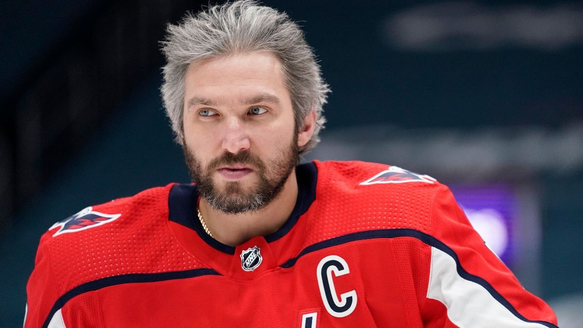 New York Rangers at Washington Capitals NHL Odds and Pick: Bet the Rangers as Underdogs (Feb. 20) article feature image