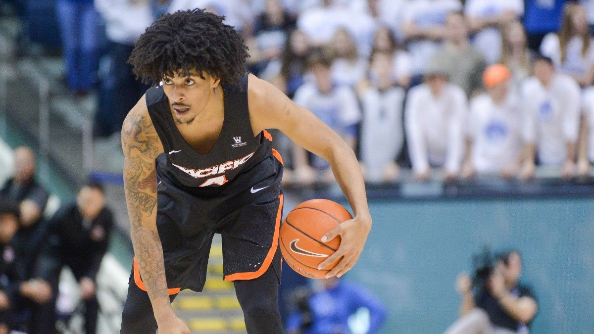 College Basketball Best Bets: Three Man Weave's Top 3 Picks, Including South Dakota State vs. Oral Roberts, Pacific vs. Loyola Marymount & More (Feb. 13) article feature image