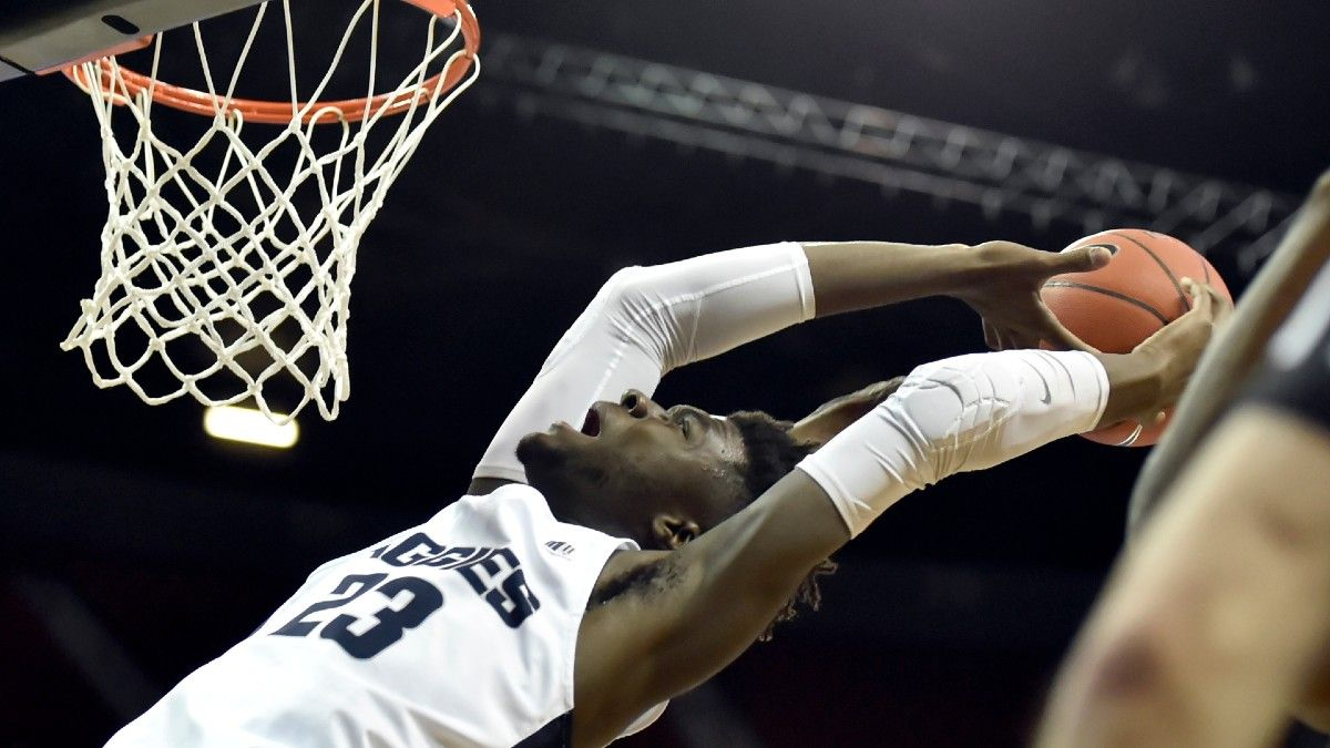 Sunday College Basketball Best Bets: Our Favorite Picks for Houston vs. South Florida, Nevada vs. Utah State & More (Feb. 28) article feature image