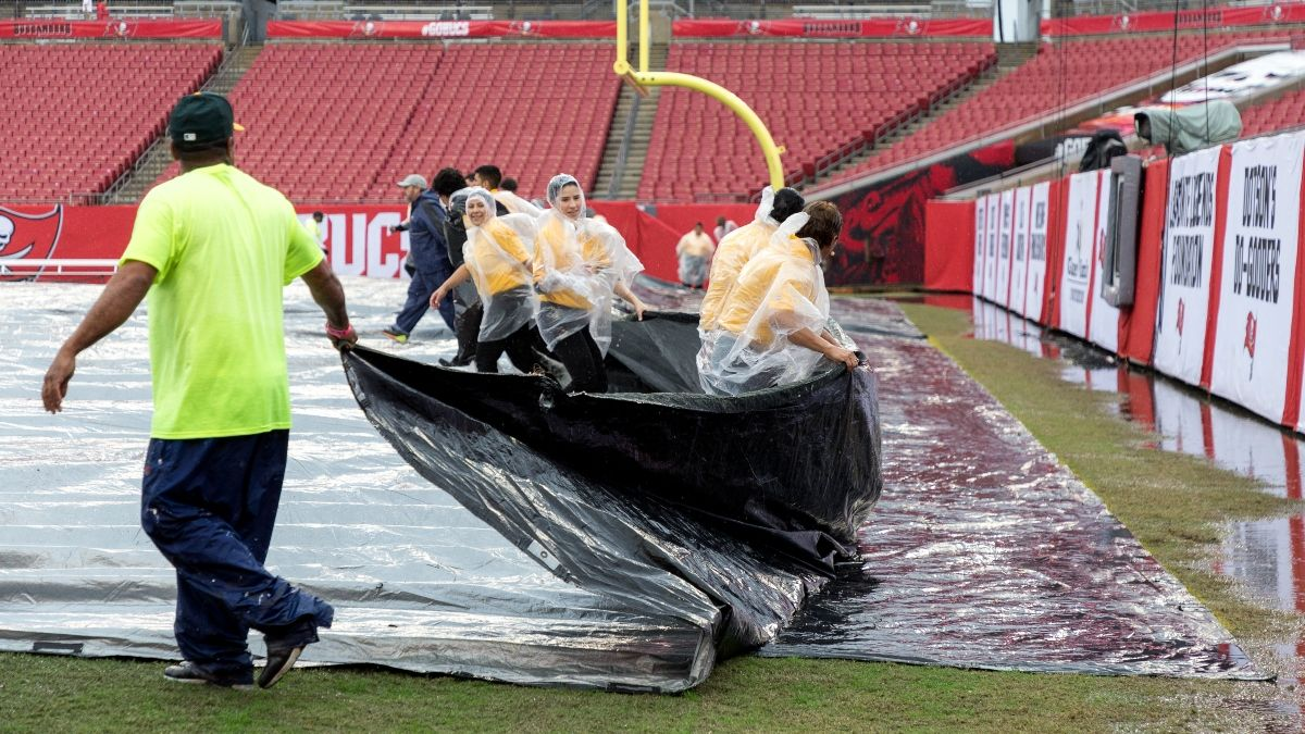 Super Bowl 55 Weather Forecast: The Chances of Rain & Wind at Raymond James Stadium in Tampa article feature image