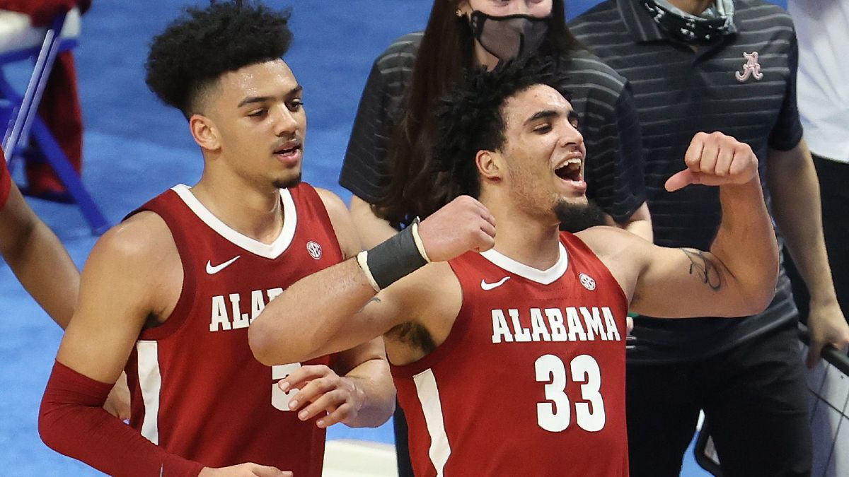 Alabama vs. Arkansas College Basketball Odds, Picks & Predictions: Value on Crimson Tide in Top-25 Clash (Wednesday, Feb. 24) article feature image