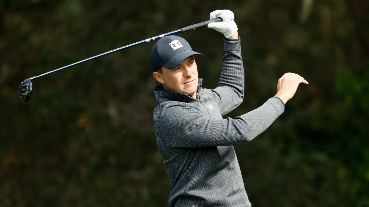 Sobel: Want to Bet Spieth on Sunday? Take the Wait-and-See Approach article feature image