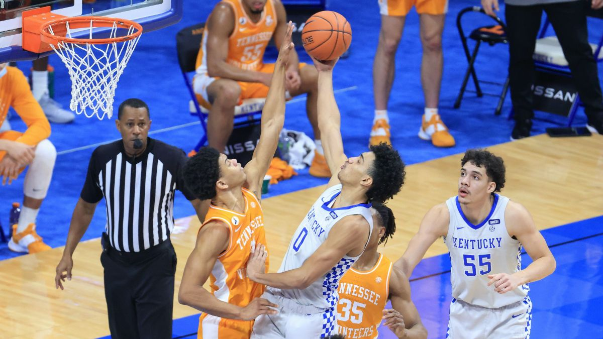 College Basketball Odds & Picks for Kentucky vs. Tennessee: How to Bet Saturday's SEC Rivalry Game (Feb. 20) article feature image
