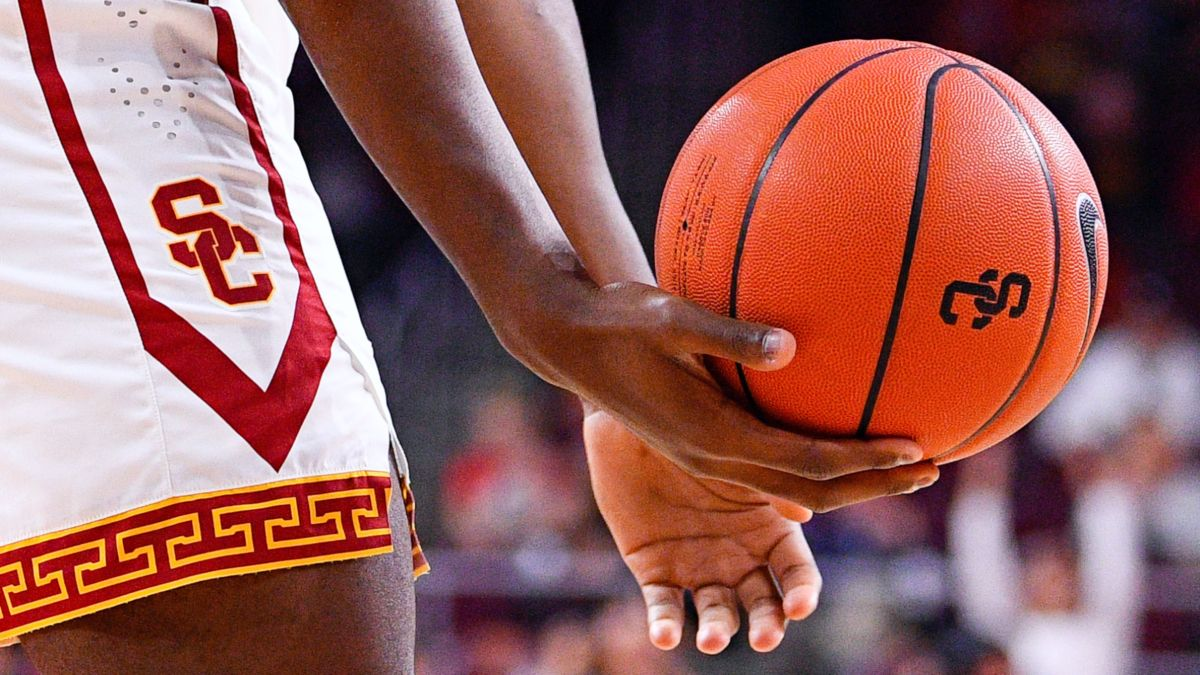 College Basketball Odds & Pick for Arizona vs. USC: Are Oddsmakers Underrating the Trojans? article feature image
