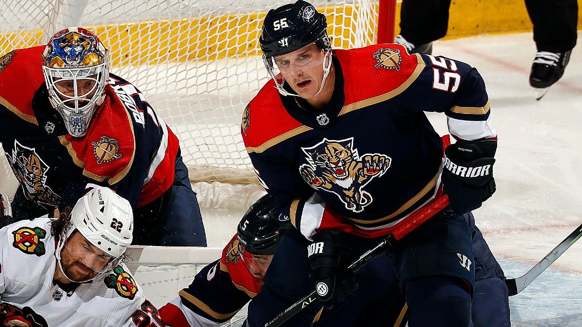 NHL Odds & Pick for Blackhawks vs. Panthers: Back Chicago as Road Underdog (March 15) article feature image