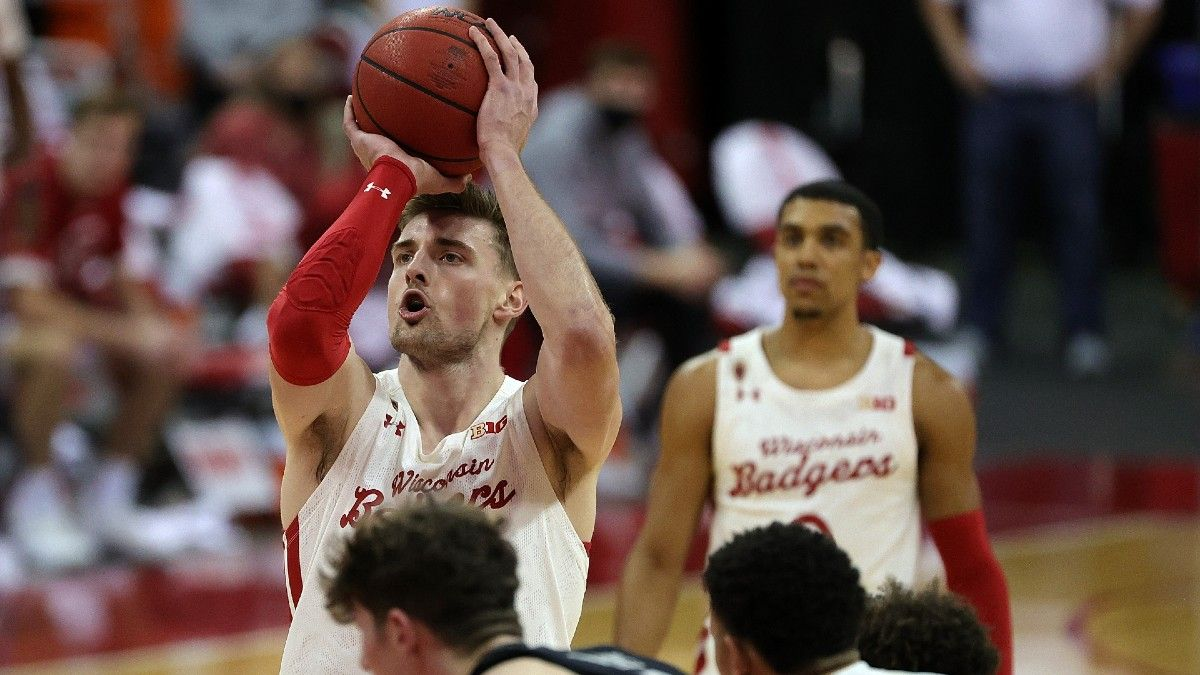 How to Bet the NCAA Tournament First Round: Using Team Free-Throw Percentage to Find an ATS Edge article feature image