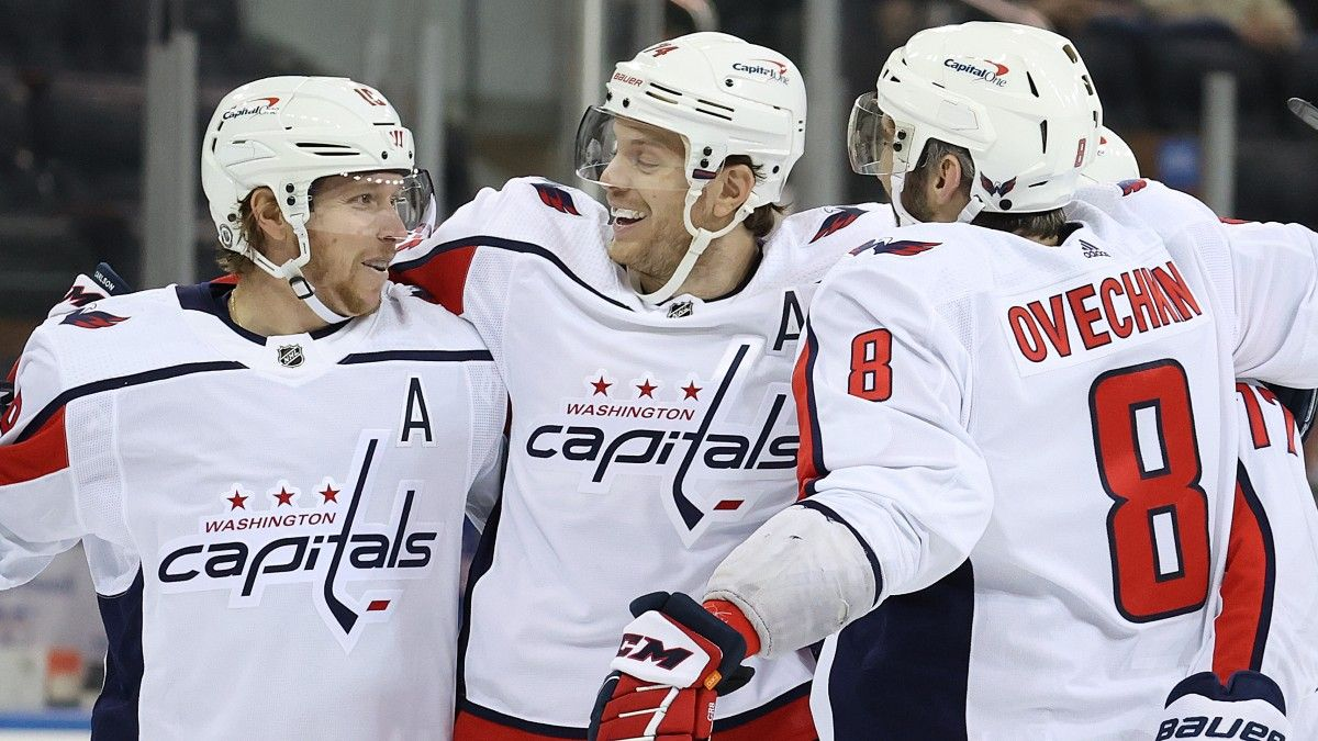 Capitals vs. Islanders Odds & Pick: Washington Has the Edge in NHL East Division Showdown (April 1) article feature image