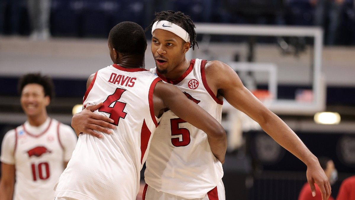Oral Roberts vs. Arkansas Sweet 16 Odds, Prediction, Pick: 2 Ways to Bet This NCAA Tournament Matchup article feature image