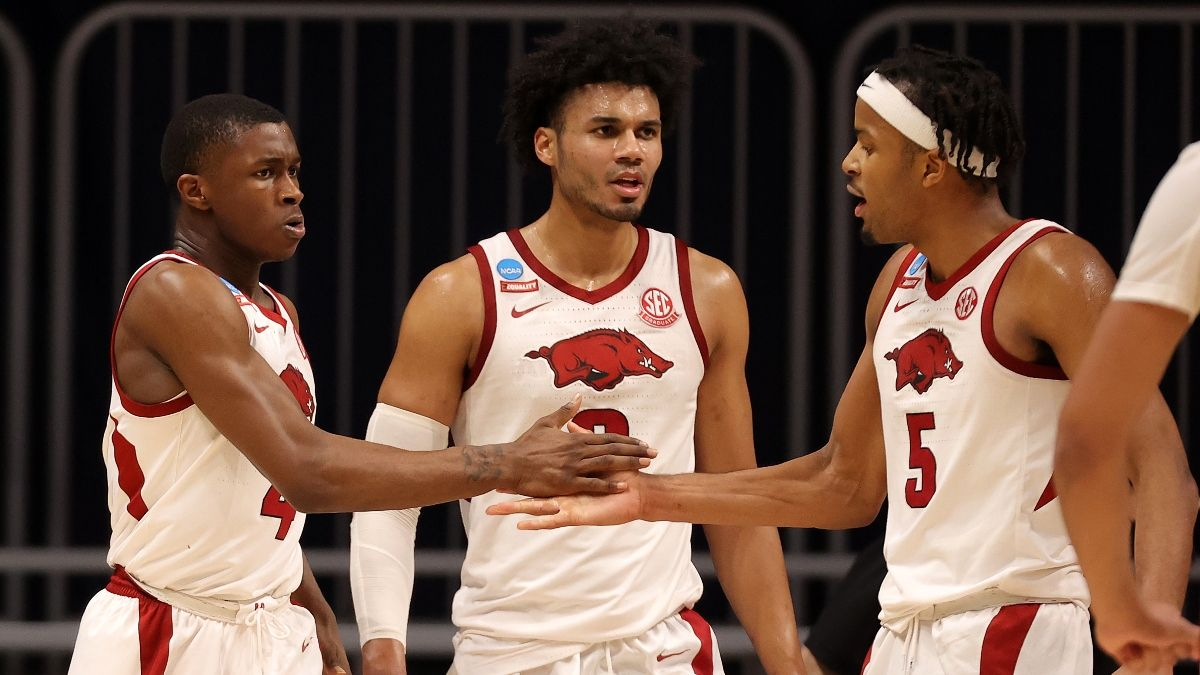 Sweet 16 Odds: Arkansas vs. Oral Roberts Spread, Total for NCAA Tournament 2021 article feature image