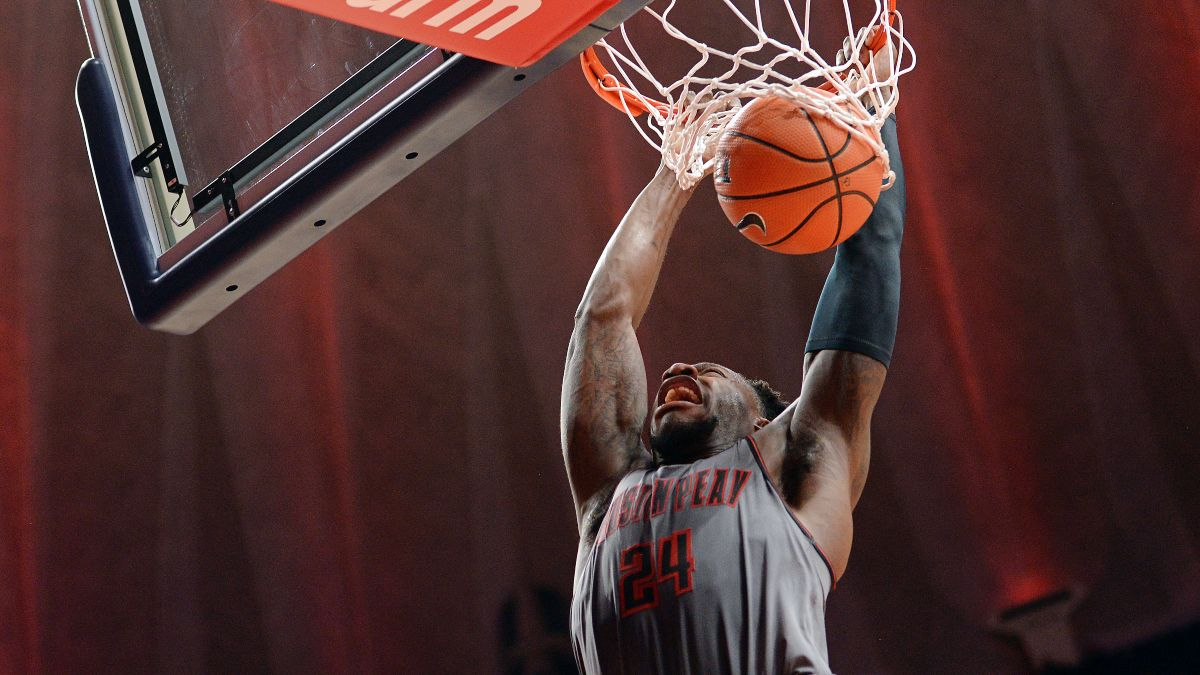 College Basketball Betting Odds & Picks: 8 Ways To Bet Thursday's Conference Tournament Games article feature image