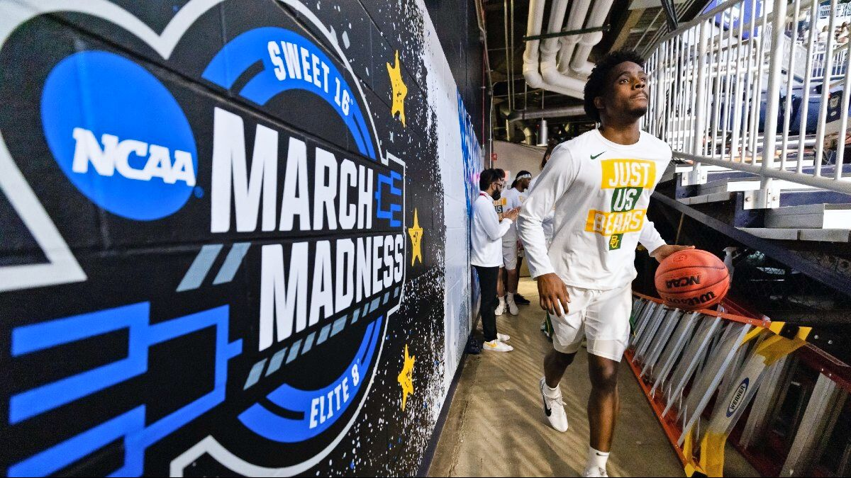 March Madness Odds & Picks: Our Best Elite 8 Bets for Baylor vs. Arkansas & Houston vs. Oregon State (Monday, March 29) article feature image