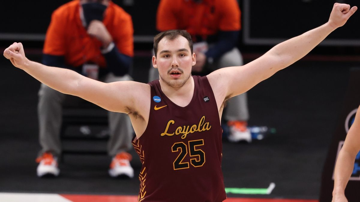 Loyola Chicago vs. Oregon State Projected Odds: Our Spread, Total for NCAA Tournament Sweet 16 article feature image