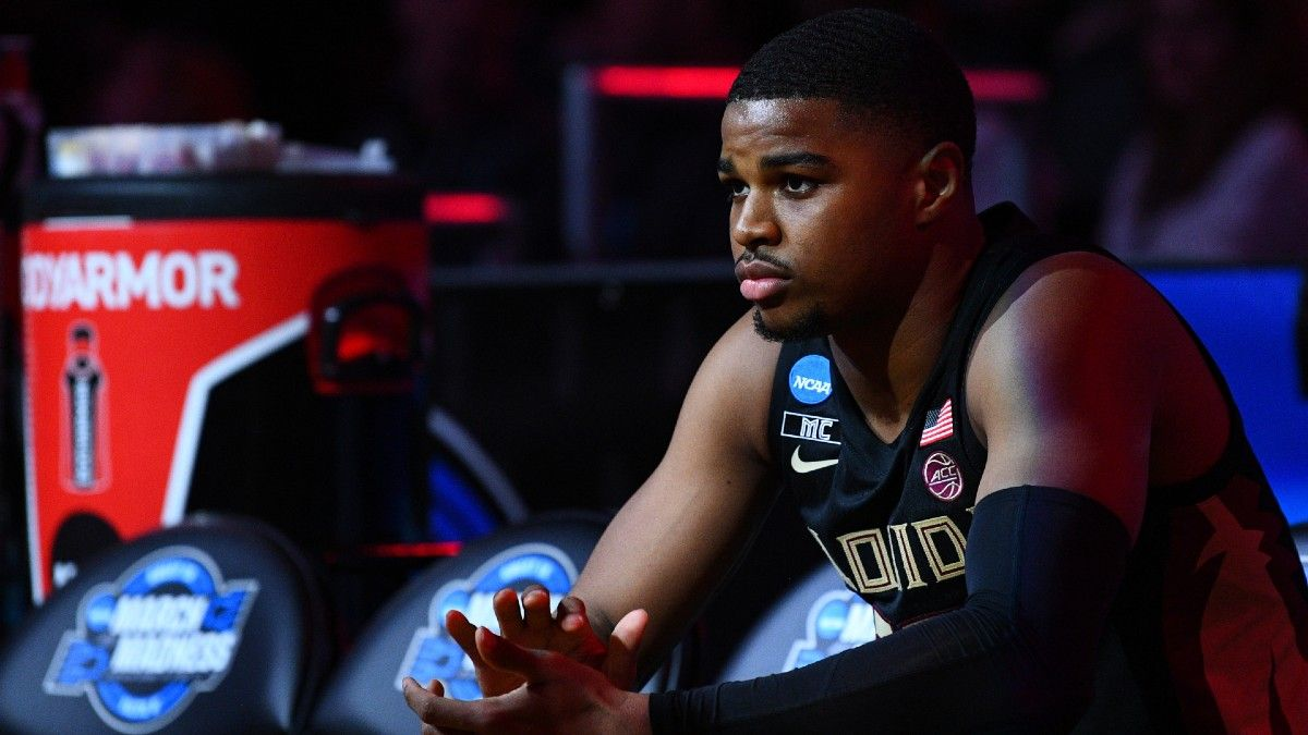College Basketball Odds & Picks For Friday Night: How To Bet Oklahoma State vs. Baylor & North Carolina vs. Florida State article feature image