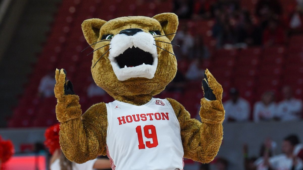 Houston Elite Eight Odds, Promo: Bet $1, Win $100 if the Cougars Make a 3-Pointer! article feature image