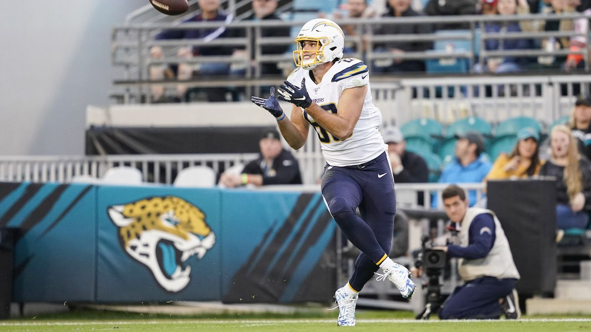 2021 NFL Free Agency: TE Hunter Henry Joins Patriots article feature image