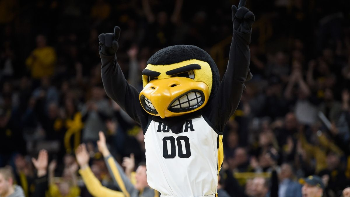 Iowa vs. Oregon Odds, Promo: Bet $1+ on the Hawkeyes, Get $200 FREE Instantly! article feature image
